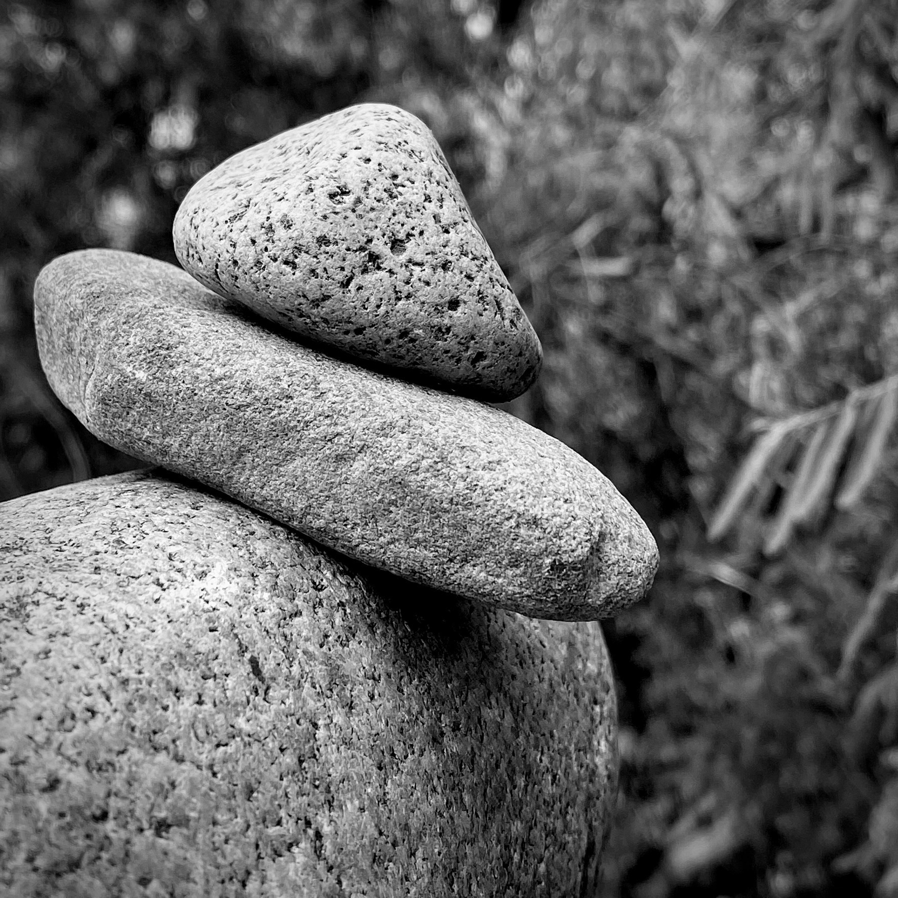 Rocks balanced on each other.
